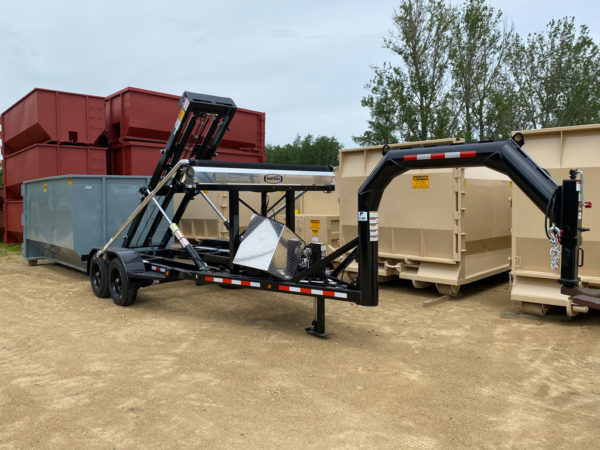 roll-off trailer with gooseneck hitch and tarping system